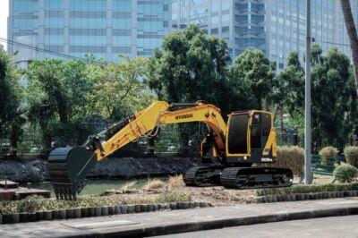 Excavadora de cadenas Hyundai HX130LCR